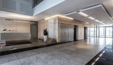 Entretien ménager des aires communes d'immeuble à condo