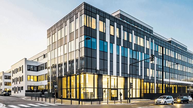 Entretien de bâtiments publics à Montréal, Laval et Longueuil