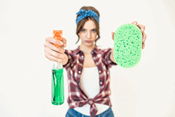 Nettoyage après les fêtes de Noël et femme de ménage